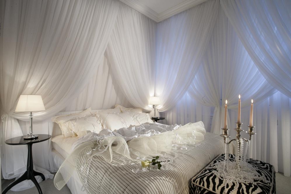 modern romantic luxury bedroom