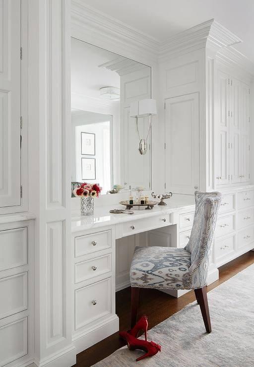 Bedroom built in vanity