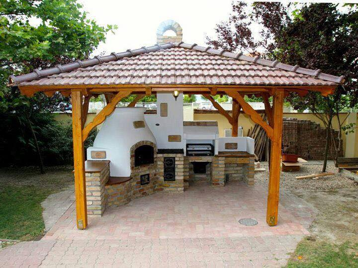 Outdoor cooking place for family and friends