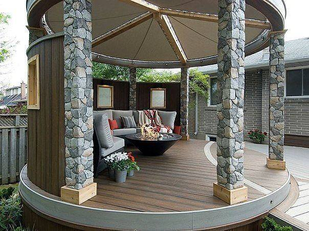 Attractive exterior sitting area for house