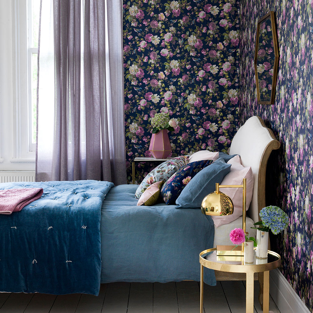 Purple wallpaper bedroom ideas