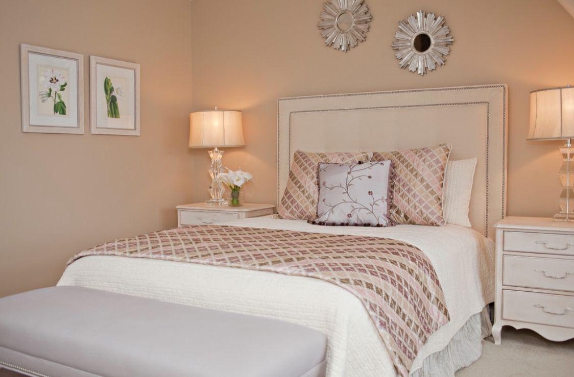 Rose gold white bedroom design idea