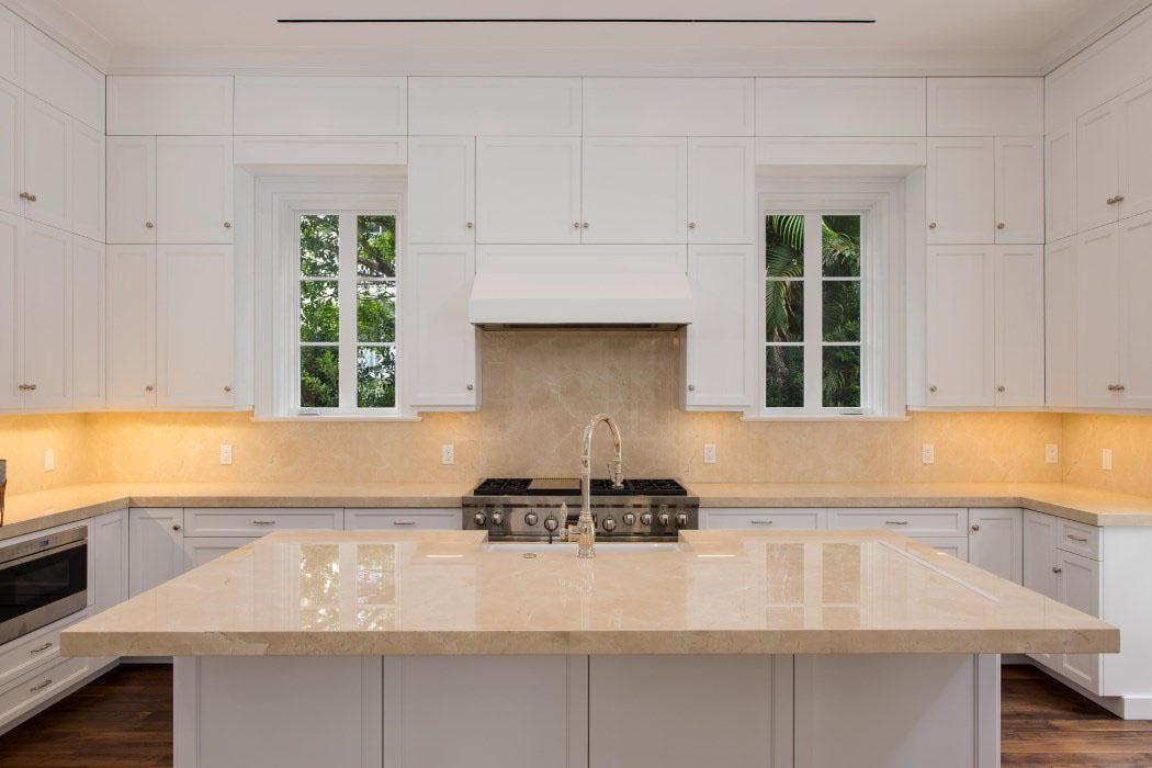 Glossy Kitchen Countertop - Source: SKA Architect