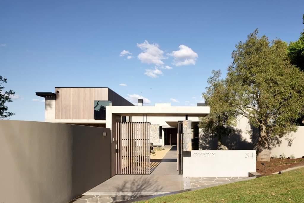 Beautiful Front - Source: Lockyer Architects