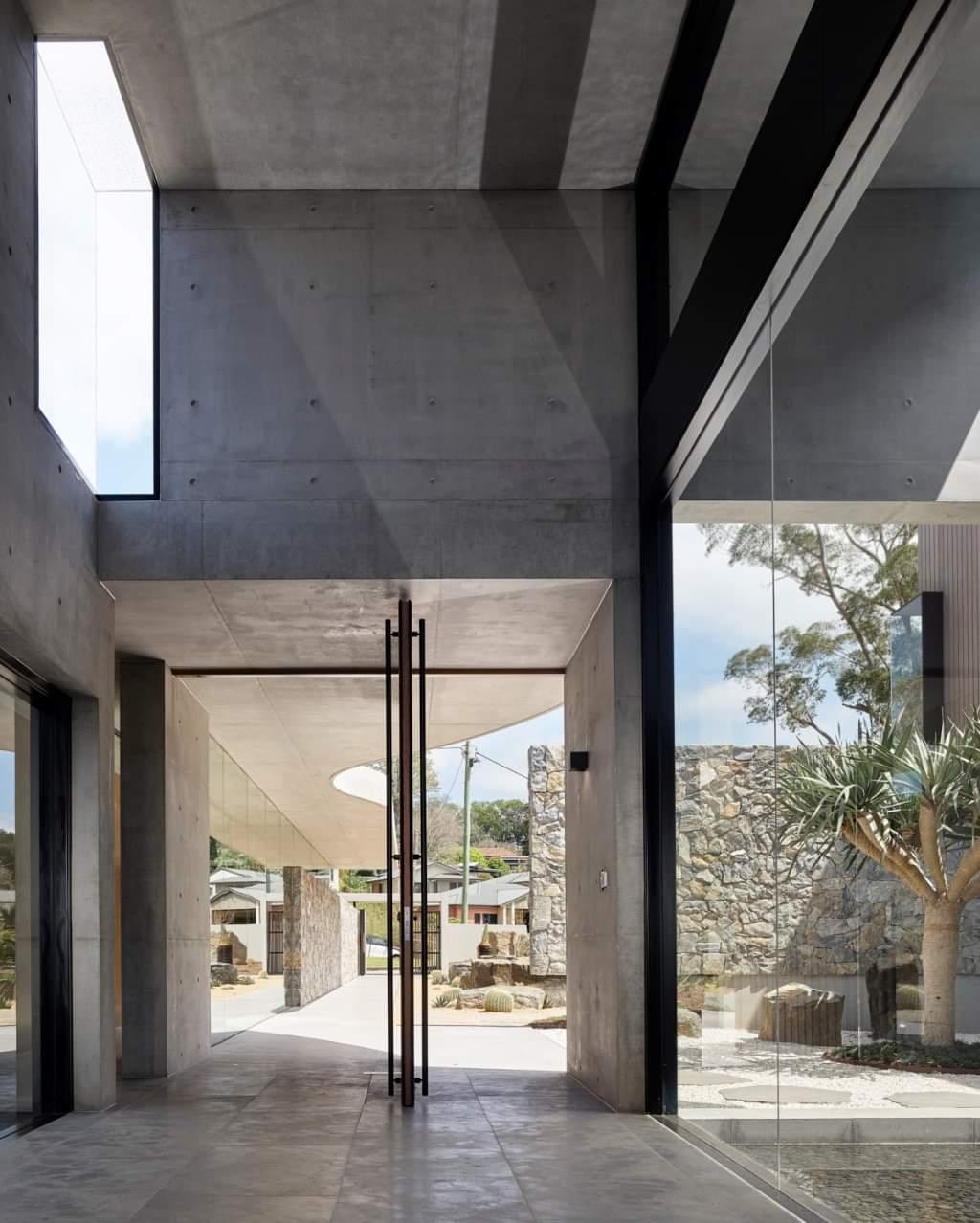 Stunning Glass Doors - Source: Lockyer Architects