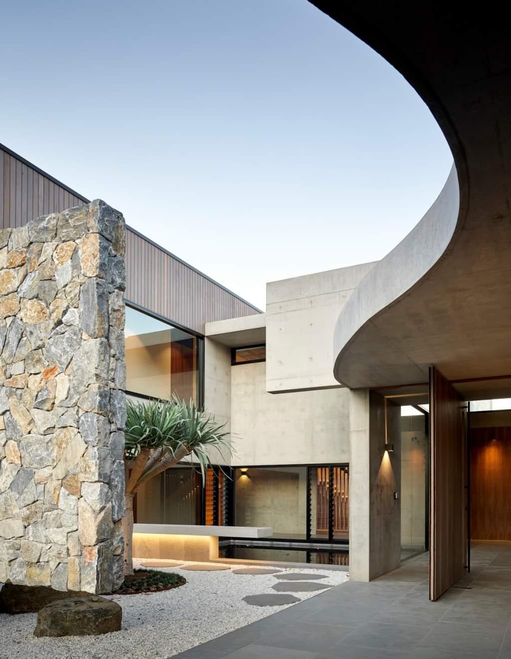 Stunning Curvy Shade - Source: Lockyer Architects