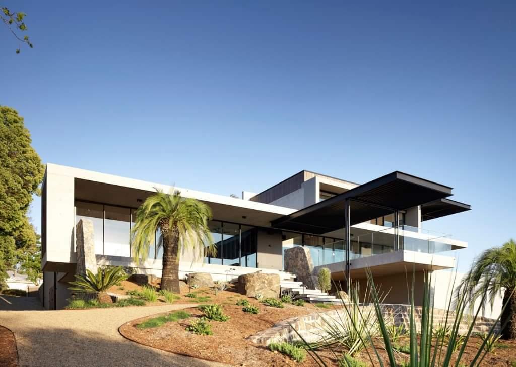 Beautiful Front Side - Source: Lockyer Architects