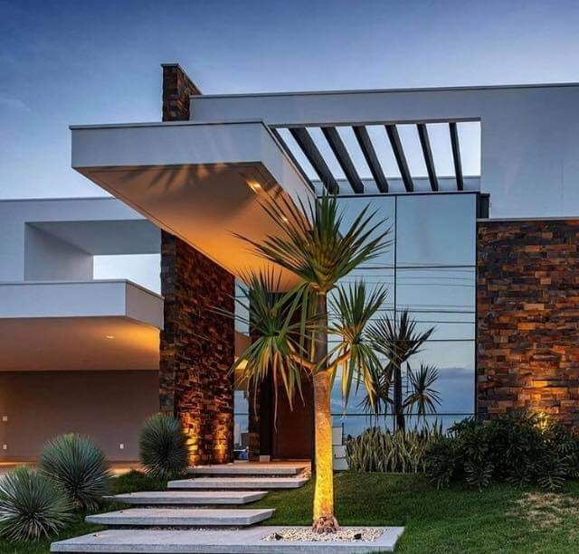 Alluring Home Designs With Inviting Entrance